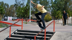 Frontside Nose Slide Skater