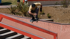 Skateboarder doing a Jump Boardr AM 2018