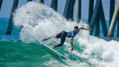 Alex Ribeiro surfing US Open 2019