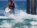 Victor Bernardo fins out surfing 2017