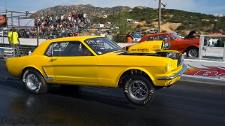 mustang-versus-nova-drag-racing