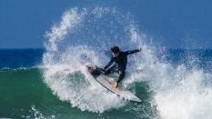 surfer hard cutback