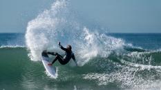 surfingcutbackSonyFE200to600lensplus1point4teleconverter