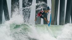Alex Riberio major air time surfing Vans US Open 2019